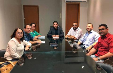 Diretoria da AGGEB e associados reúnem-se no Escritório AZI & Torres